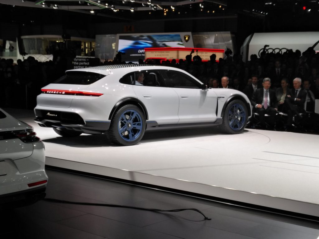 Porsche MIsson E Cross Turismo