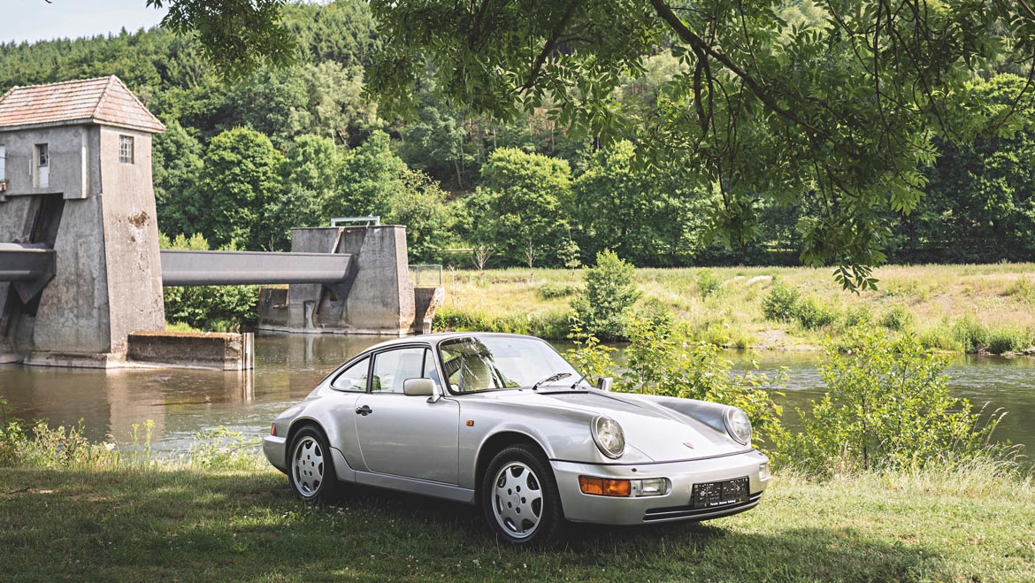 Porsche 911 964 Carrera 4 Louise Piech