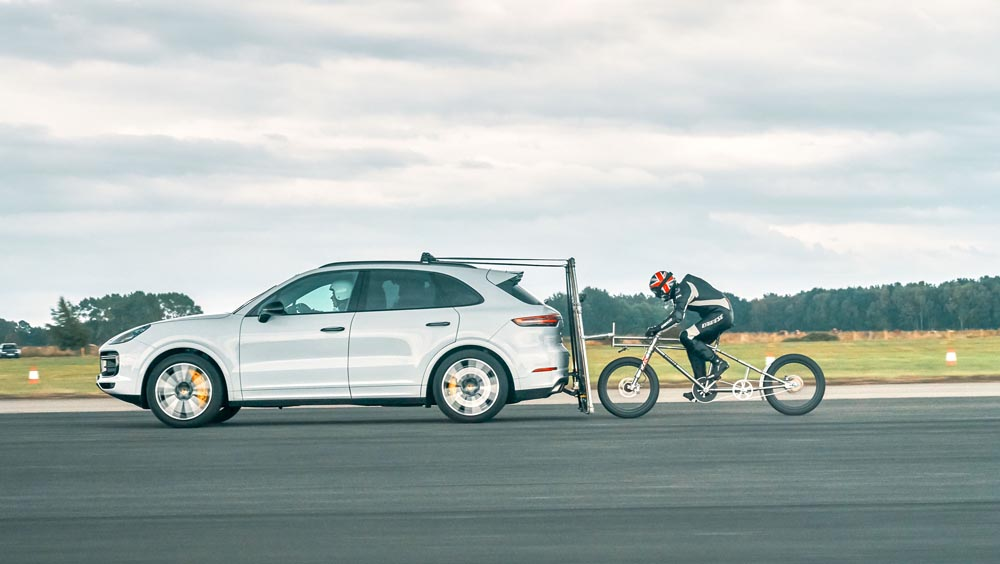 Neil_campbell y porsche cayenne turbo record bicicleta (3)