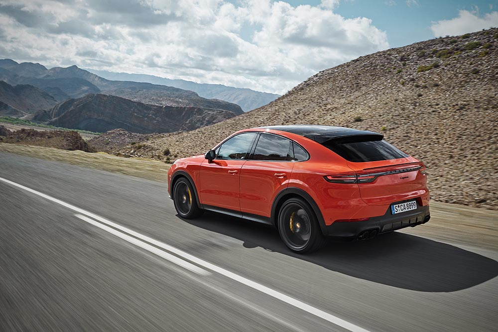 Cayenne coupé in motion